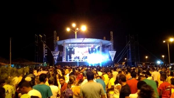 REVEILLON_PEDRA_DO_SAL_2015_IMG_20151231_235334922