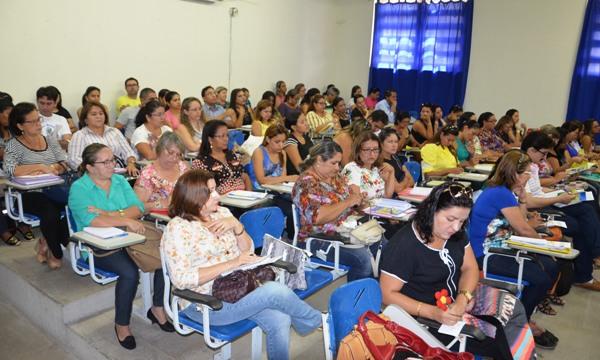 FORMACAO_CONTINUADA_DE_GESTORES_EDUCASCAO_ORCAMENTARIA_DSC_1040