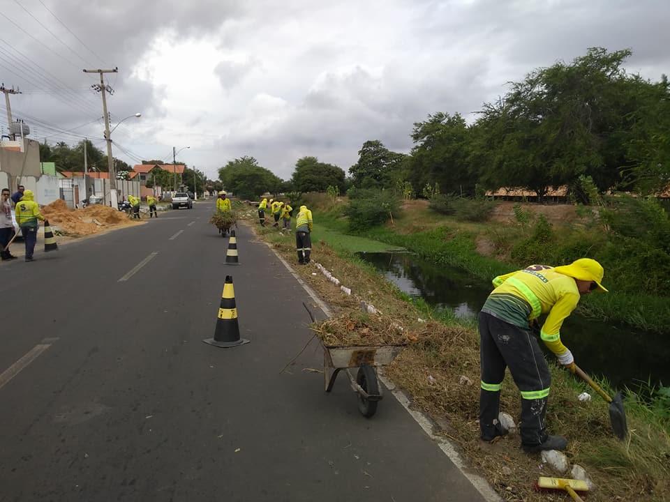 Secretaria de Serviços Urbanos mantém equipes na permanente limpeza dos bairros da cidade