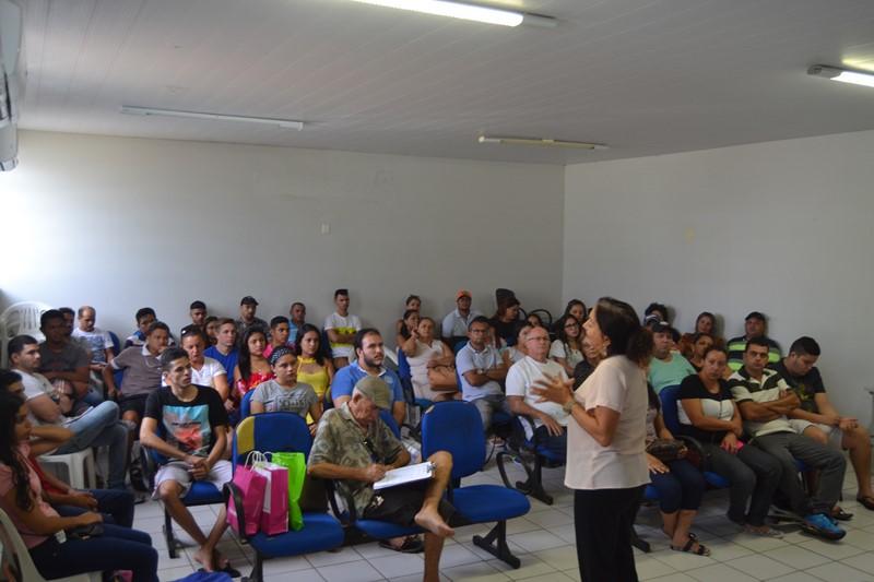 """Vigilância Sanitária promove capacitação para ambulantes da """"Praça do Amor"""""""