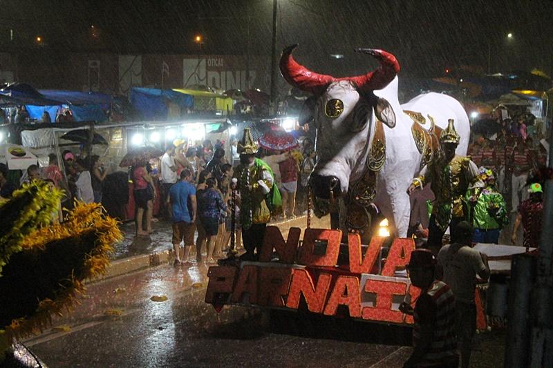 Carnaval de Parnaíba encerra sob chuva e muita alegria