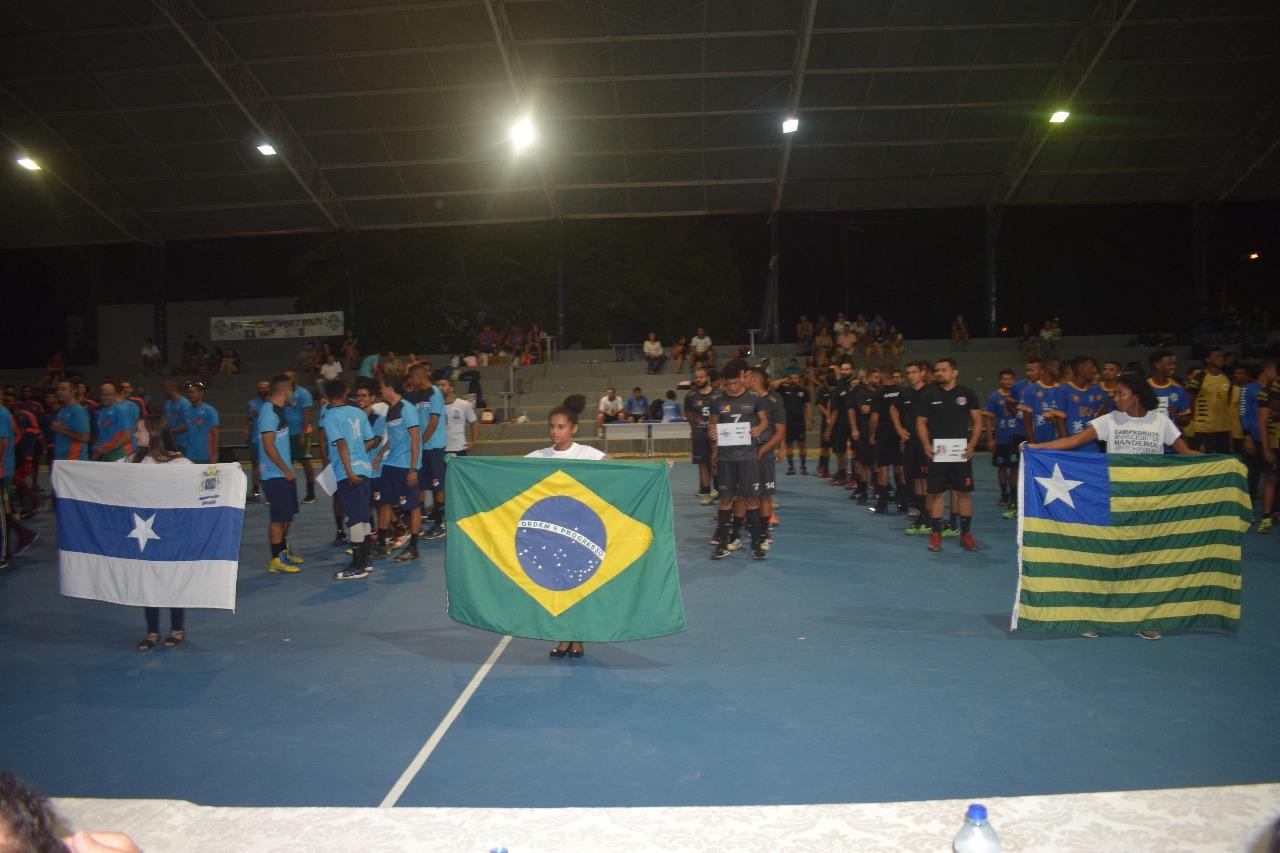 Mão Santa prestigia abertura do campeonato brasileiro de Handebol