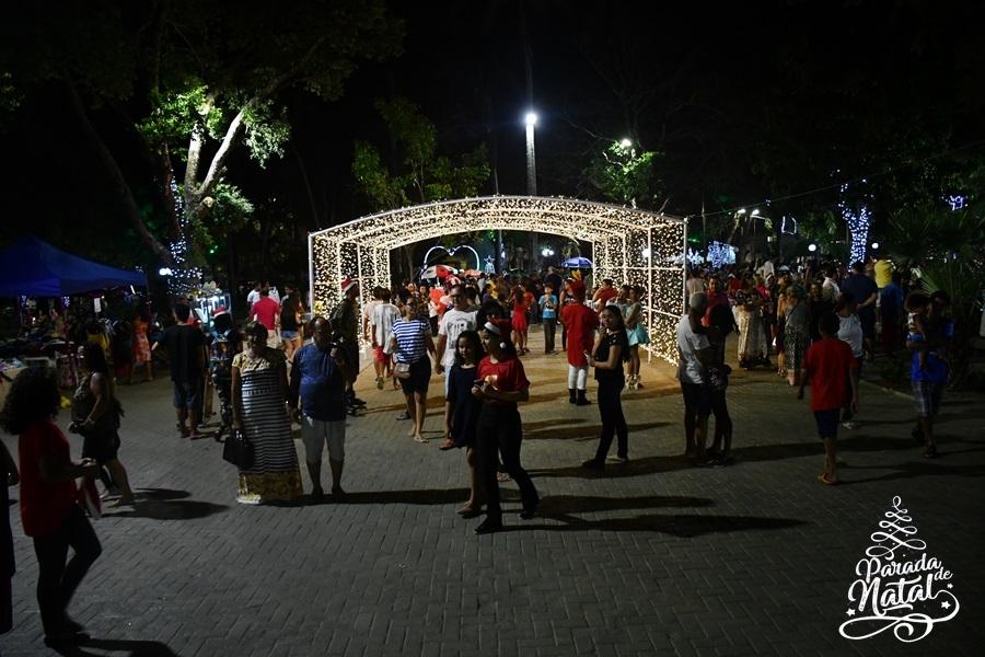 Natal da Cidade é atração para as famílias parnaibanas na Praça da Graça