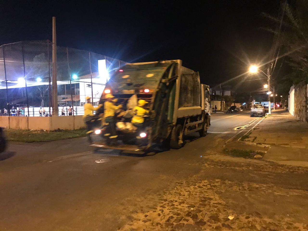 Prefeitura de Parnaíba nega suspensão nos serviços de coleta de lixo do Município