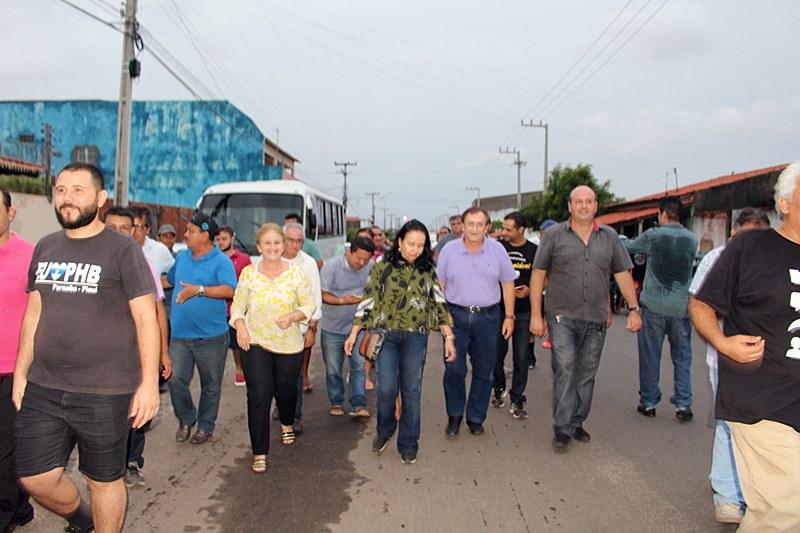 Prefeito Mão Santa inaugura asfaltamento de acesso à Lagoa do Portinho