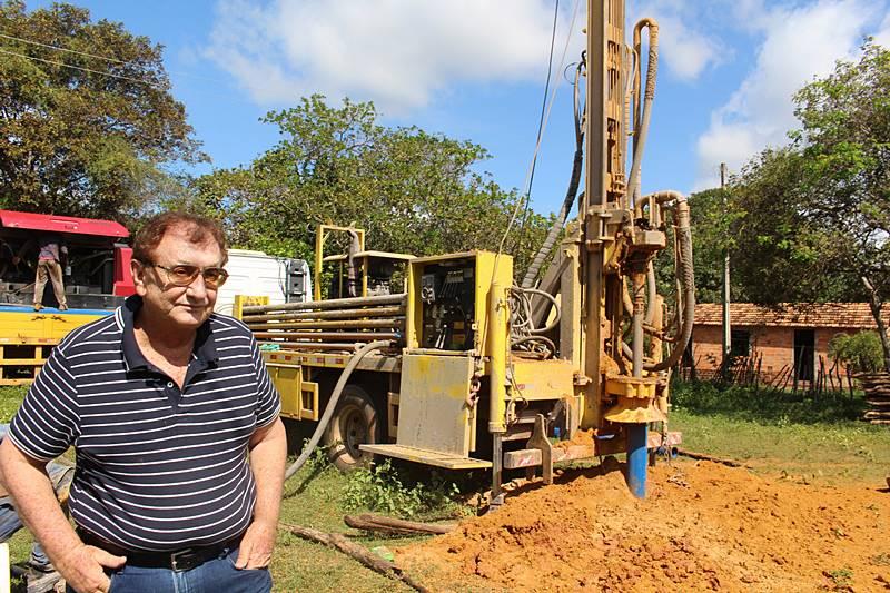Prefeito Mão Santa acompanha perfuração de poços na Zona Rural