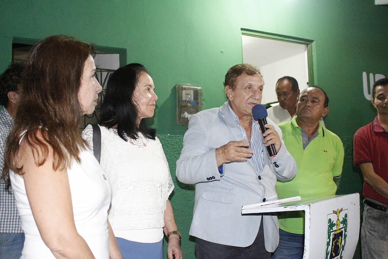Prefeito Mão Santa entrega à população parnaibana 3 UBS completamente reformadas