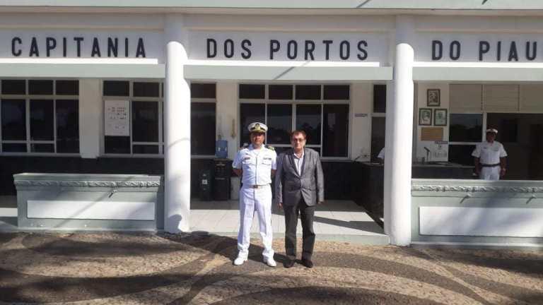 Capitania dos Portos do Piaui homenageia prefeito Mão Santa