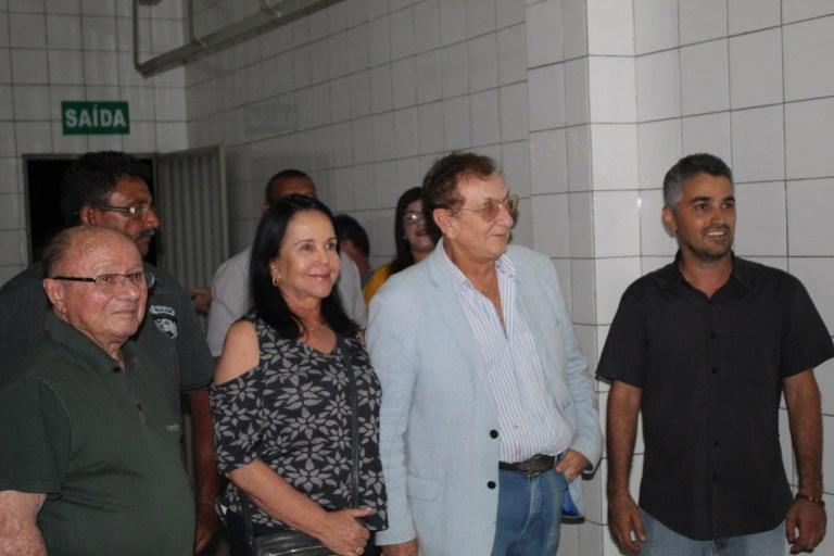 Prefeito Mão Santa participa início de atividades no Matadouro Municipal