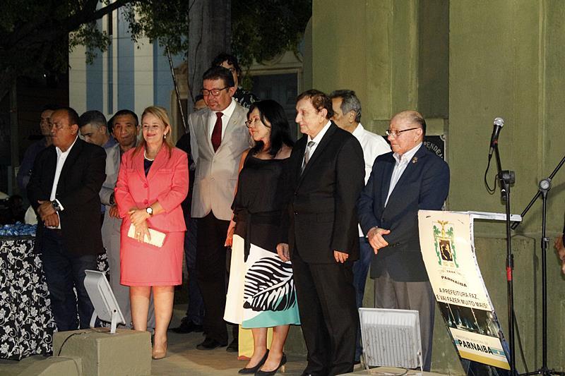 Prefeitura realiza cerimônia de entrega de medalhas do mérito municipal no dia do Piauí
