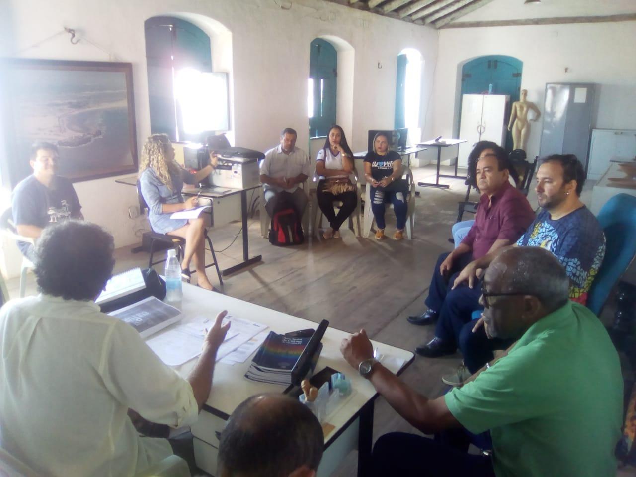 Superintendente de Cultura realiza reunião com servidores do órgão
