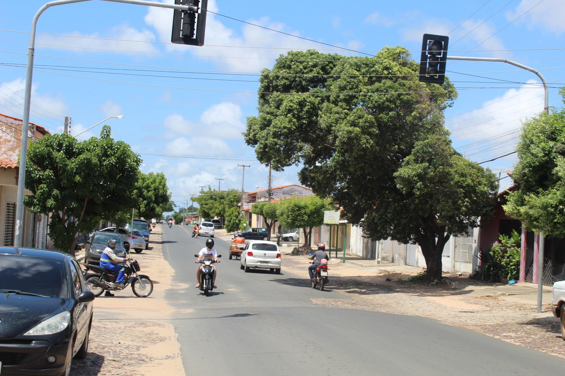 Secretaria de Transporte e Trânsito anuncia implantação de novo semáforo na cidade