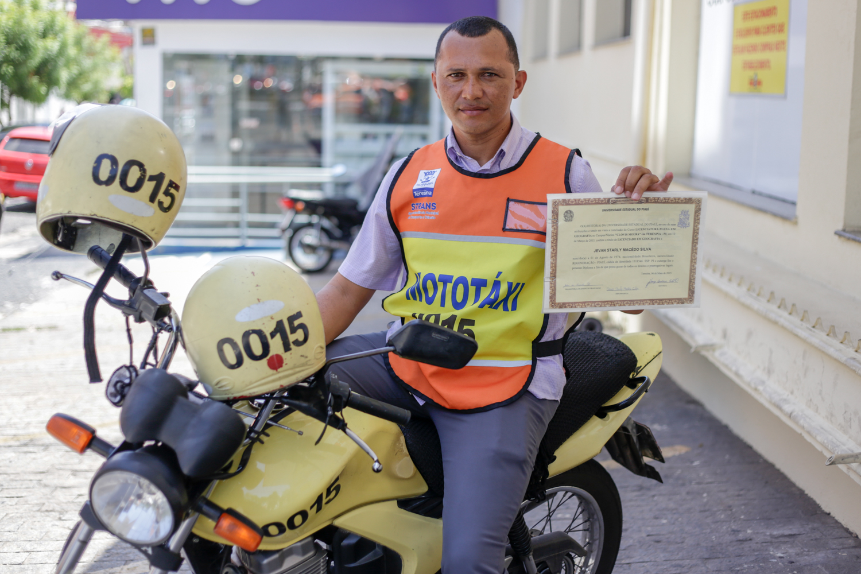 Prefeitura de Parnaíba oferece oportunidade para profissionais mototaxistas