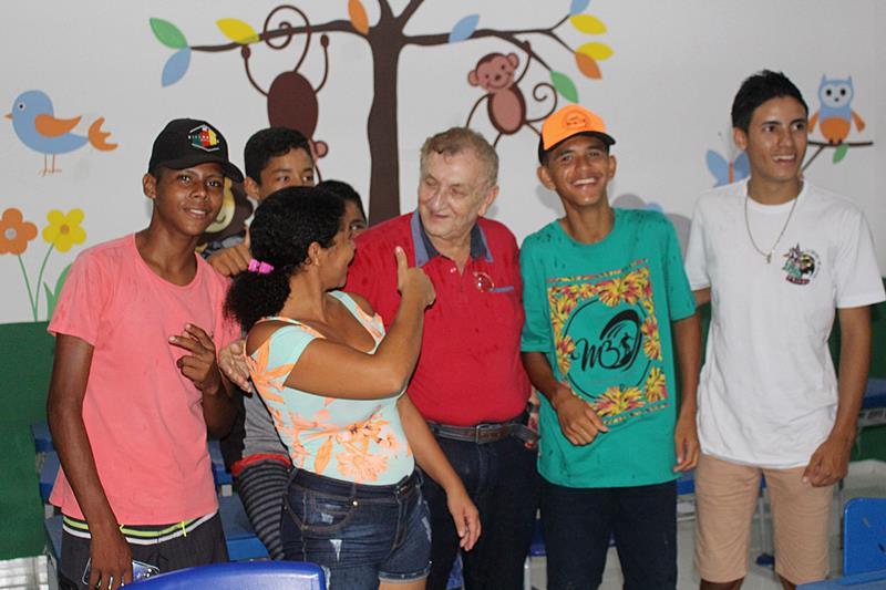 Prefeito Mão Santa realiza sonho da comunidade Alto do Batista com inauguração de escola
