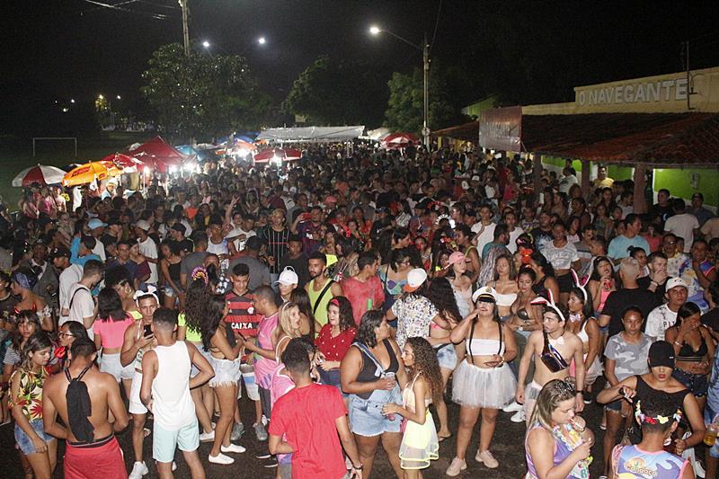 Corso marca a abertura do carnaval de rua realizado pela prefeitura de Parnaíba