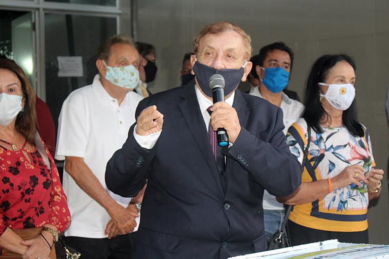 Prefeito Mão Santa inaugura hospital de campanha com 30 leitos sendo 10 de UTI