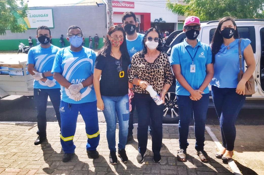 Empresário doa 3 mil litros de água sanitária para ações de desinfecção em bairros de Parnaíba