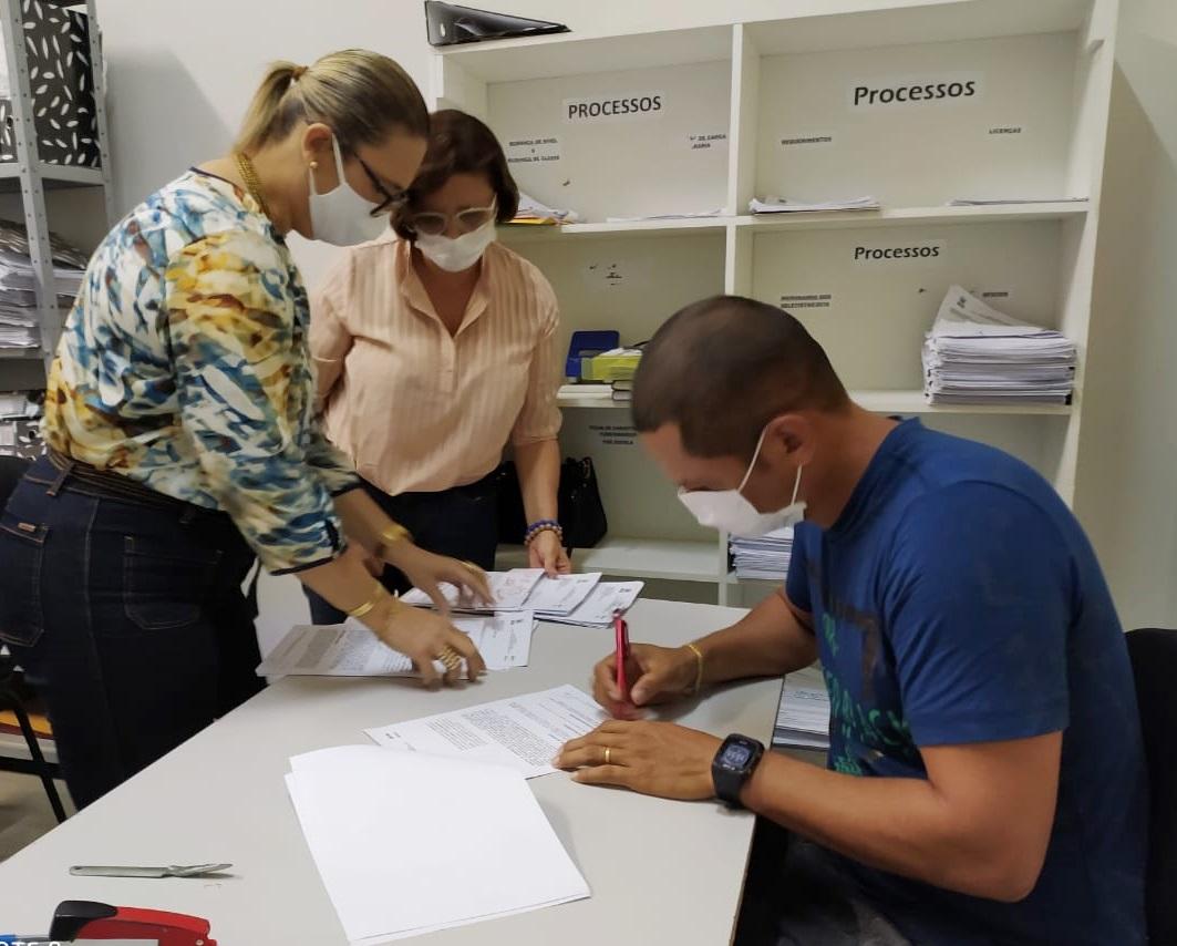 Com sensibilidade social, Prefeito Mão Santa determina aditivo de contrato para 249 professores celetistas trabalharem até a realização do próximo teste seletivo