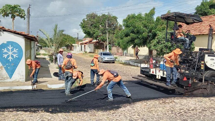 Prefeitura de Parnaíba realiza obra de asfaltamento no Bairro São Benedito