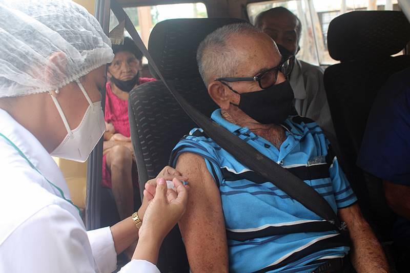Prefeitura de Parnaíba inicia imunização de idosos acima de 85 anos contra COVID-19