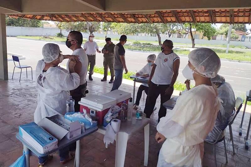 Prefeitura de Parnaíba inicia vacinação de Policiais Militares contra COVID-19