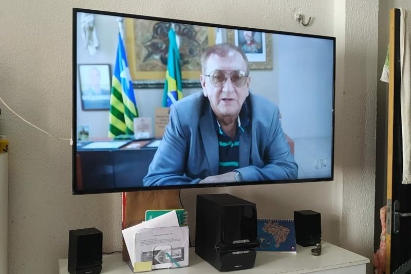 Projeto Minha Escola na TV inicia transmissão de aulas para alunos da rede municipal em Parnaíba