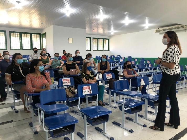 Secretaria Municipal de Saúde reúne profissionais com foco na melhoria da saúde mental em tempos de pandemia