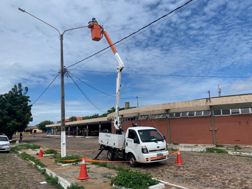 Por determinação do Prefeito Mão Santa, SEINFRA amplia rede de iluminação em LED em Parnaíba