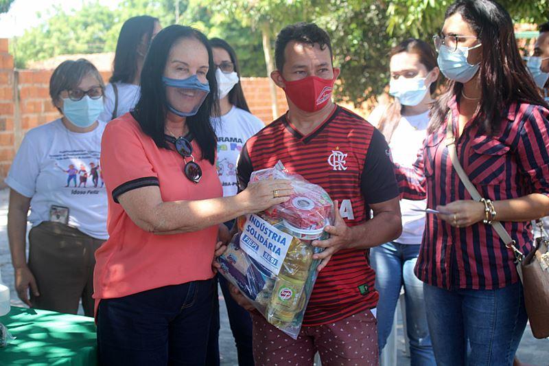 Em parceria com o SESI, Prefeitura de Parnaíba segue distribuição de cestas básicas